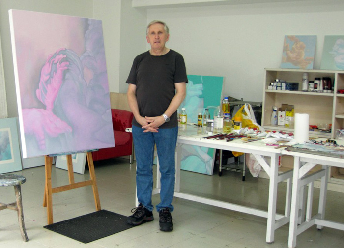 Rob-Gutteridge-in-studio